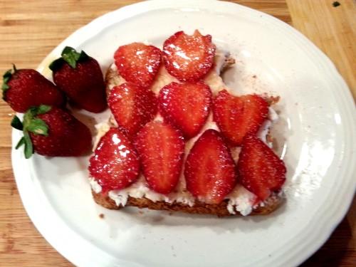 Strawberries Goat Cheese